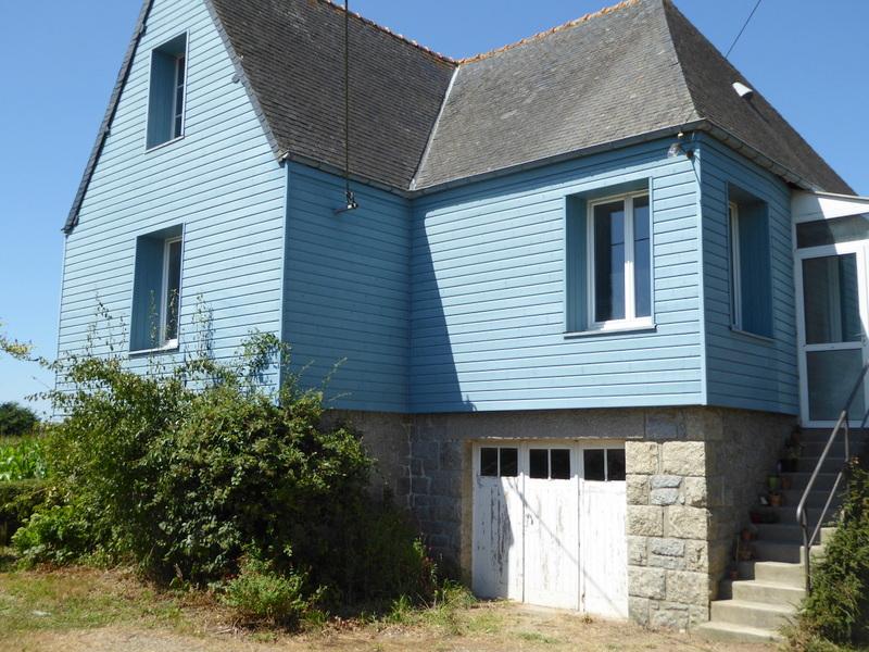 EXCLUSIVITE - 5 mns Dinan - Jolie maison indépendante sur jardin avec dépendance.