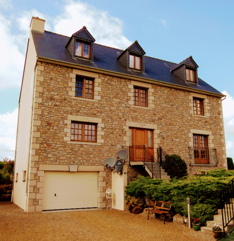 NEAR PONTORSON: Exceptional 3 bed property built around 2007 - development potential