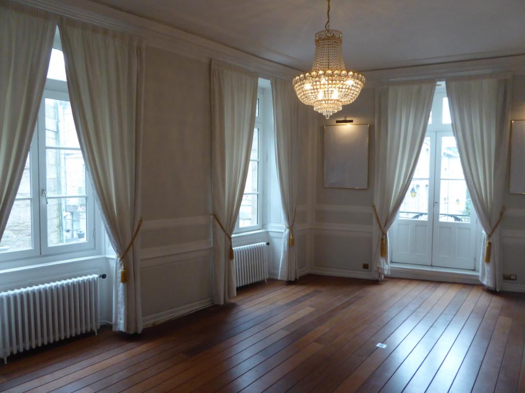 Magnifique appartement à Dinan, 1er étage, plein centre