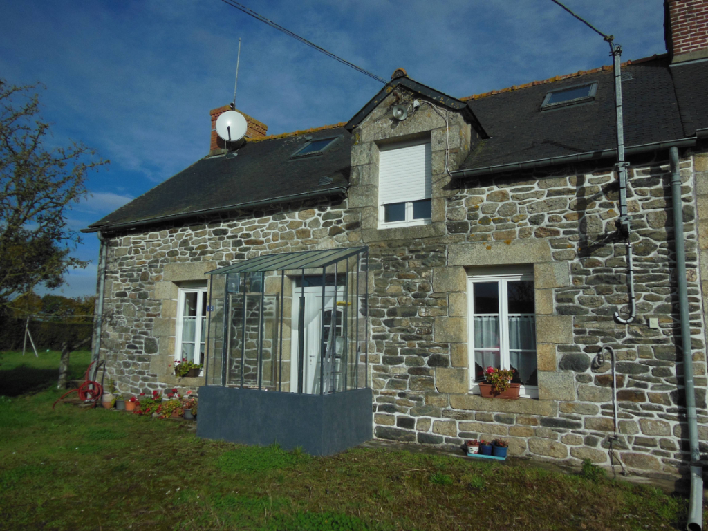 PLESSALA - Pretty 3 Bedroom Stone Cottage 15 minute walk to Village with amenities