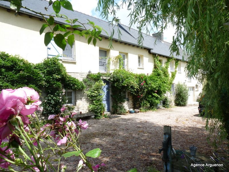 Caulnes: magnificent 5 bedroomed restored farmhouse
