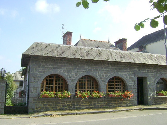 Saint Pierre de Plesguen area: lovely original stone house