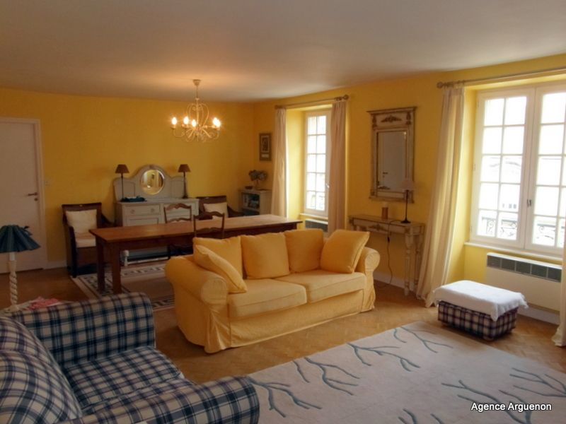 Dinan historical center: light and airy apartment with garden