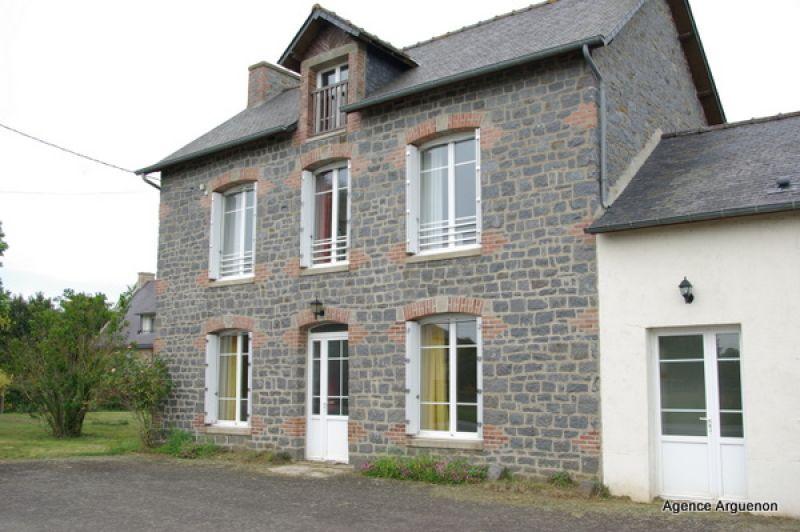 10 mn Dinan: Maison de 130m² et 1.8 hectares du terrain