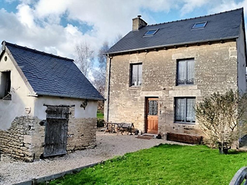 Secteur EVRAN: belle maison de village proche Rance