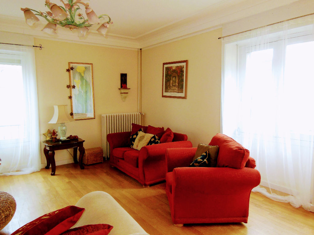 Dinan town center Fabulous first floor apartment 135m2