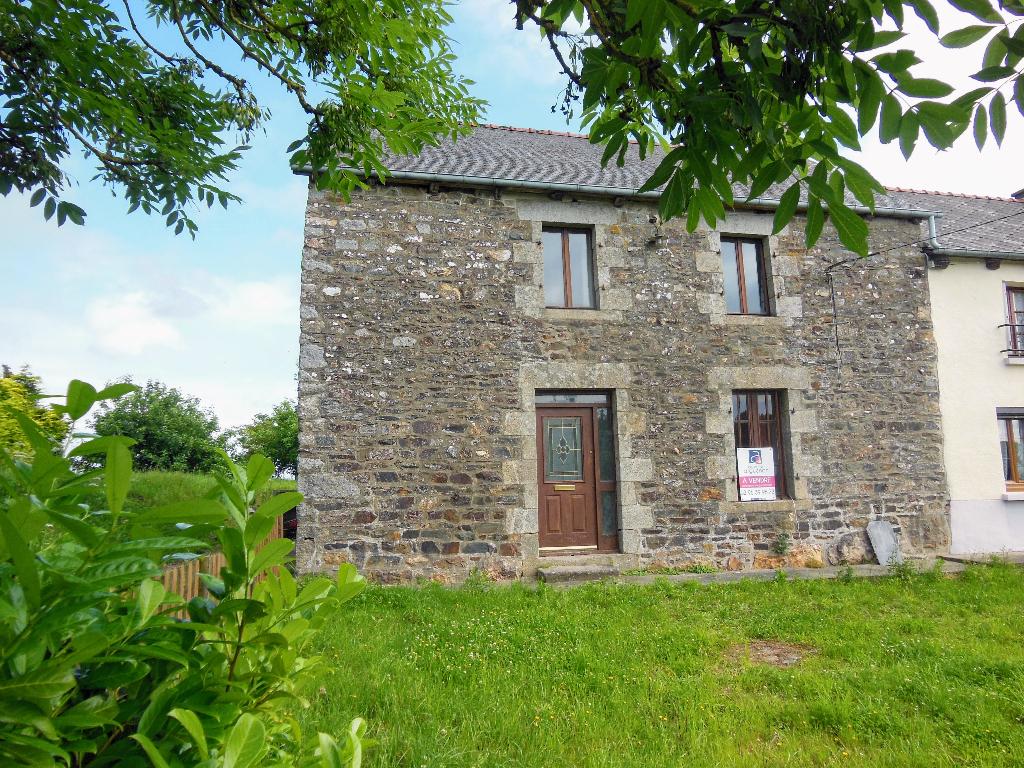 10 mns N12, Broons et Plénée, jolie maison en pierre