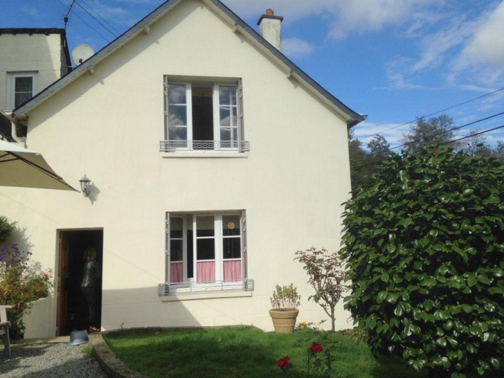 Proche RN12: jolie maison de  4 chambres, garage et jardin